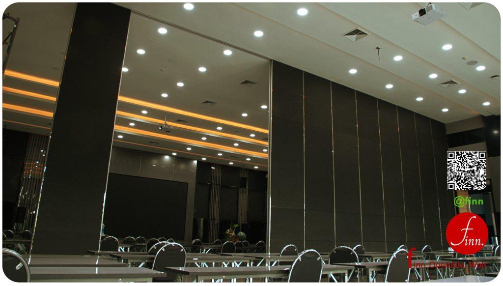 ผนังบานเลื่อนกั้นห้อง สำหรับร้านอาหาร ห้องจัดเลี้ยงสมัยใหม่